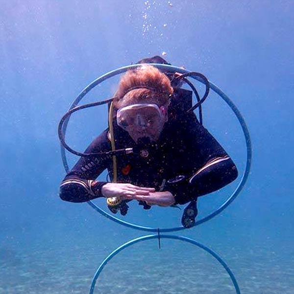 Curso de especialidad PADI en Lanzarote flotabilidad - con centro de buceo Manta Diving Lanzarote