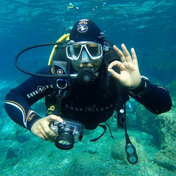 Curso de especialidad PADI en Lanzarote fotografía subacuática - con centro de buceo Manta Diving Lanzarote