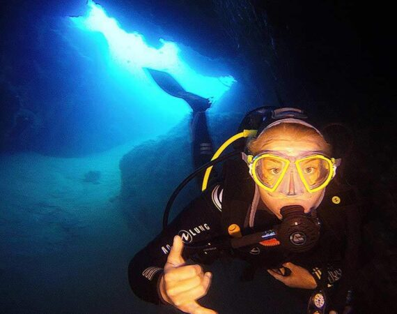 Abi exploring the dive sites in Lanzarote
