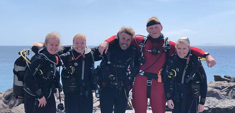 PADI diving lanzarote elite instructors | Manta Diving Lanzarote